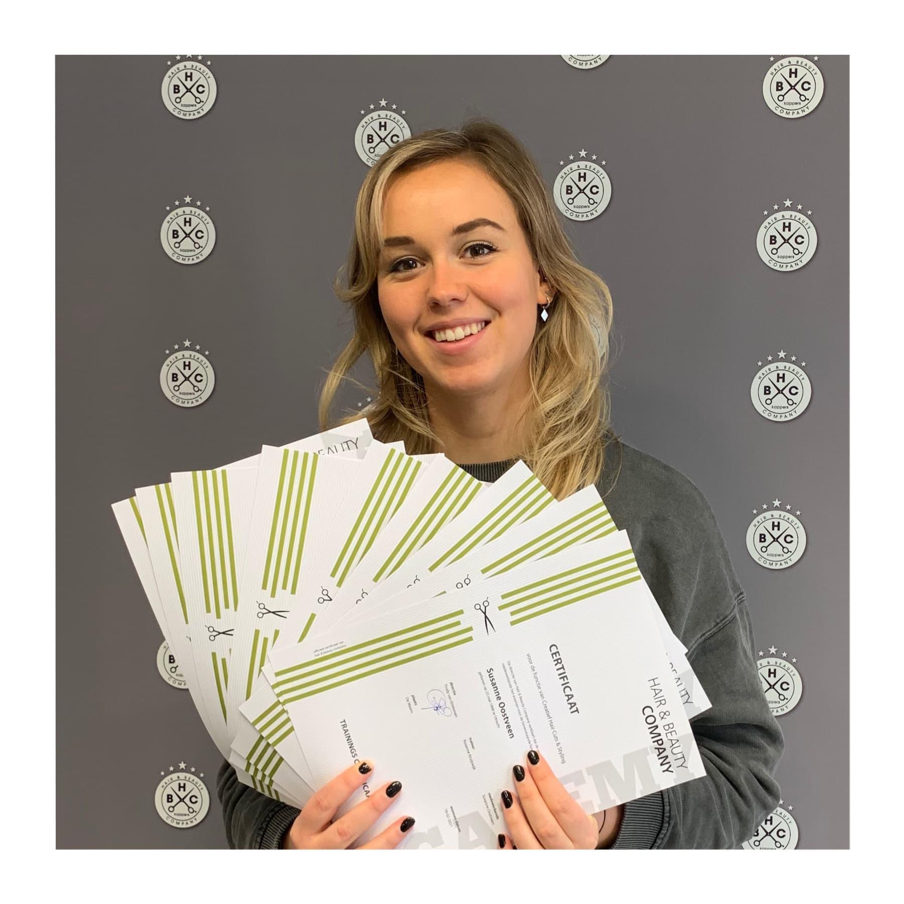 Susanne met haar diploma's