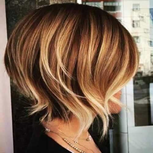 Highlight-Colored-Short-Hair